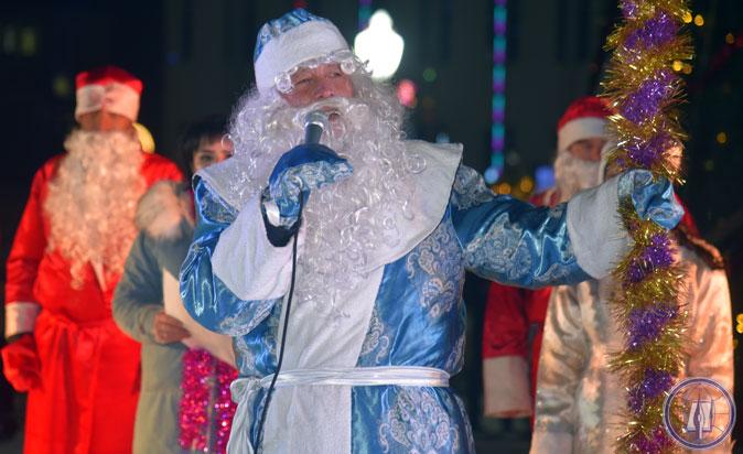 Деды Морозы дали старт новогодним торжествам