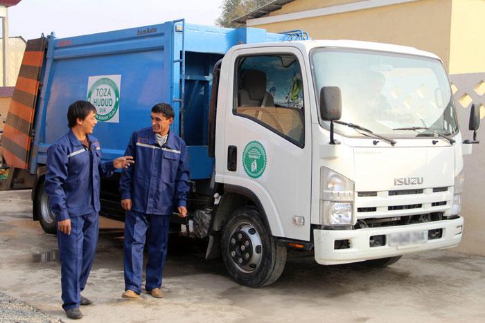 До конца следующего года в Кашкадарье услугами по сбору и вывозу мусора будут охвачены 100 процентов махаллей