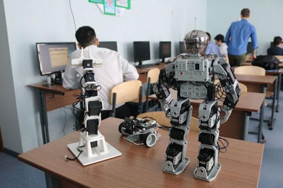 В одной из каршинских школ скоро появится класс робототехники