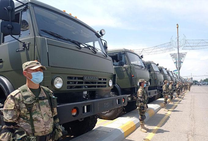 Воинским подразделениям ЮЗОВО переданы новенькие КамАЗы