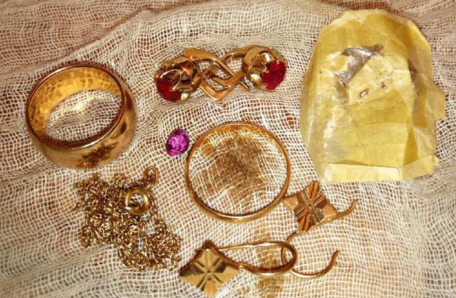 Вместо золота - камни
