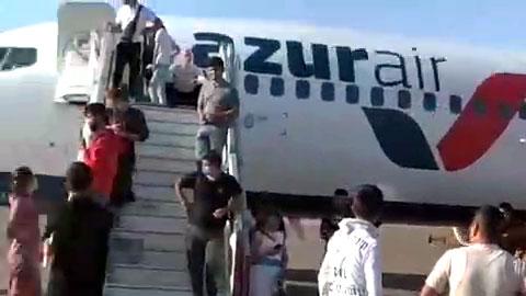 Сотни пассажиров застряли в аэропорту «Карши»
