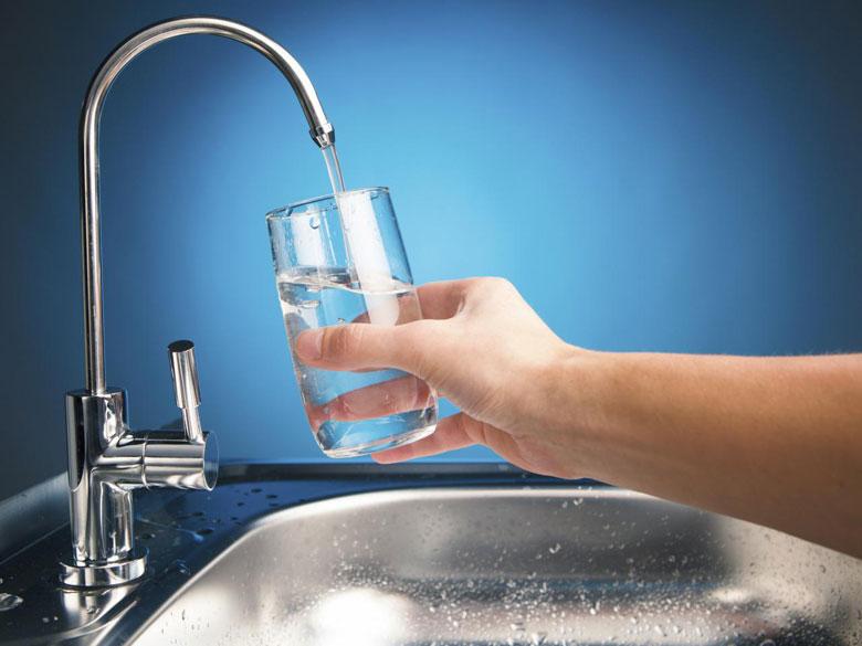Воды, может быть, и нет, но вы платите