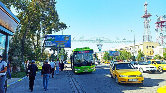 Хитойдан келтирилган янги автобуслар йўловчи ташишни бошлади