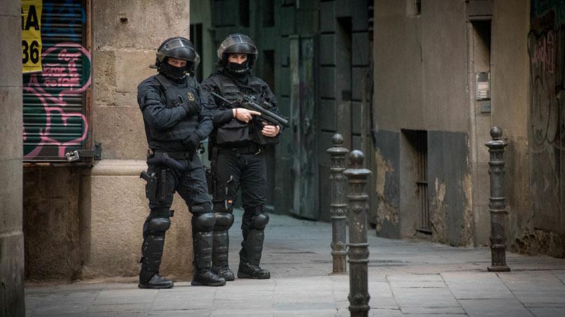 Полиция наркобизнес билан шуғулланган кампирни қўлга олди