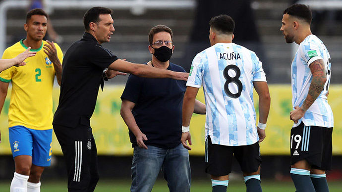 """Бразилия - Аргентина ўйини бузилиши: """"Ўйламасдан қилинган иш"""""""
